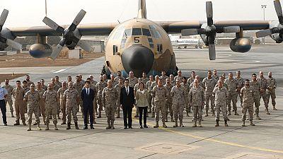 La ministra de Defensa visita a las tropas españolas desplegadas en Senegal y Mali