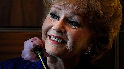 Muere Debbie Reynolds, un día después que su hija Carrie Fisher