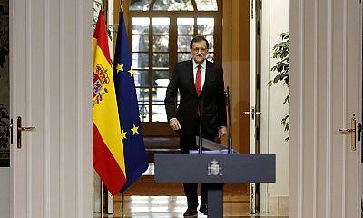 """Rajoy despide """"el año de la incertidumbre"""" y promete estabilidad hasta que pueda aprobar los nuevos Presupuestos"""