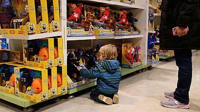 Una iniciativa en Barcelona anima a luchar contra el consumo con el intercambio de juguetes
