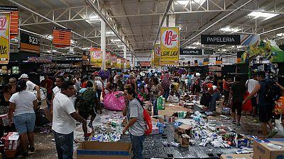Decenas de comercios saqueados en Veracruz