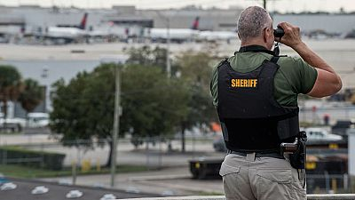 Se investigan los motivos del tiroteo en un aeropuerto de Florida