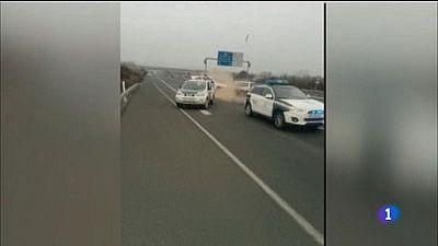 Un kamikaze conduce 40 kilómetros en sentido contrario y colisiona contra un vehículo de la Guardia Civil