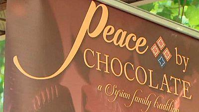 Una familia de refugiados sirios reabre en Canadá su fábrica de chocolate