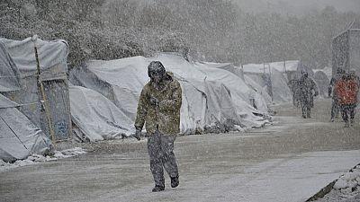 La ola de frío en Europa hace insostenible la situación de los refugiados