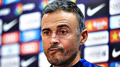 """El técnico del FC Barcelona, Luis Enrique Martínez, se ha referido a las polémicas por los últimos arbitrajes y ha asegurado que su postura es """"intachable"""", a la vez que ha añadido que """"lo fácil es quejarse y llorar""""."""