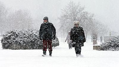 El frío polar congela Europa y deja casi un centenar de muertos