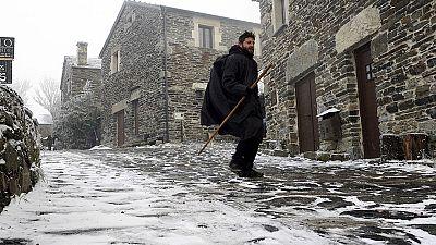 El frío y la nieve ponen en alerta a media España