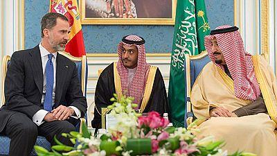 Termina el primero de tres días de visita oficial del Felipe VI a Arabia Saudí