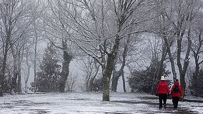 El temporal de nieve, viento y frío sigue manteniendo en alerta roja las provincias de Lleida y Huesca