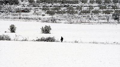 El temporal de nieve dificulta el acceso a algunos pueblos