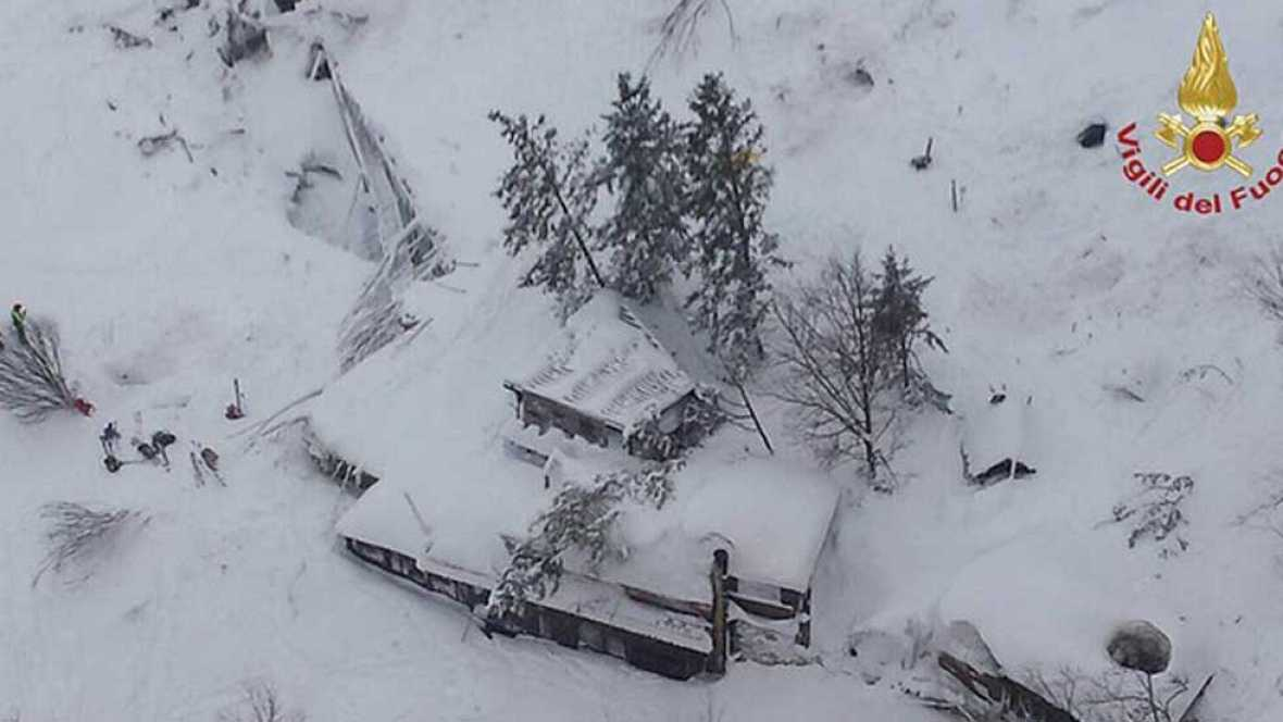 Varios muertos en un hotel sepultado por una avalancha de nieve en Italia