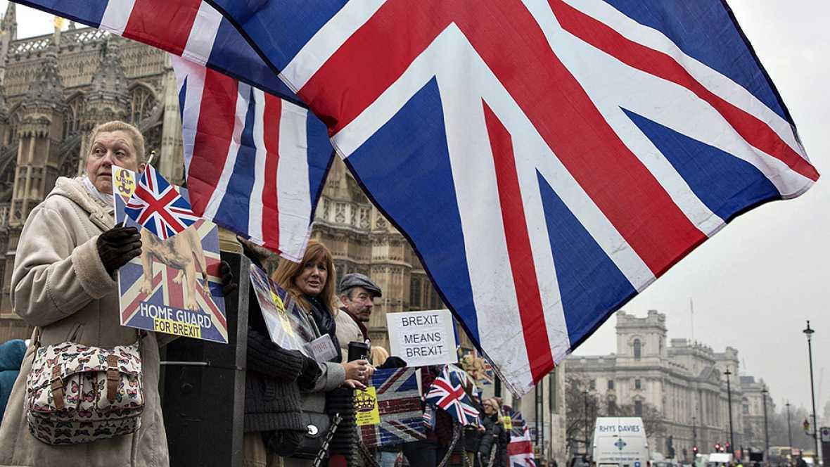 Resultado de imagen para Gobierno inglés activó primera fase del Brexit