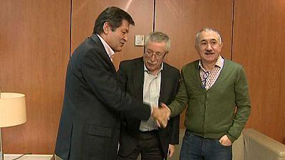 PSOE y sindicatos pactan impulsar una renta mínima en el Congreso