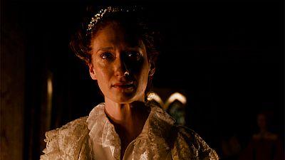 Reinas - Isabel de Inglaterra cree que es estéril