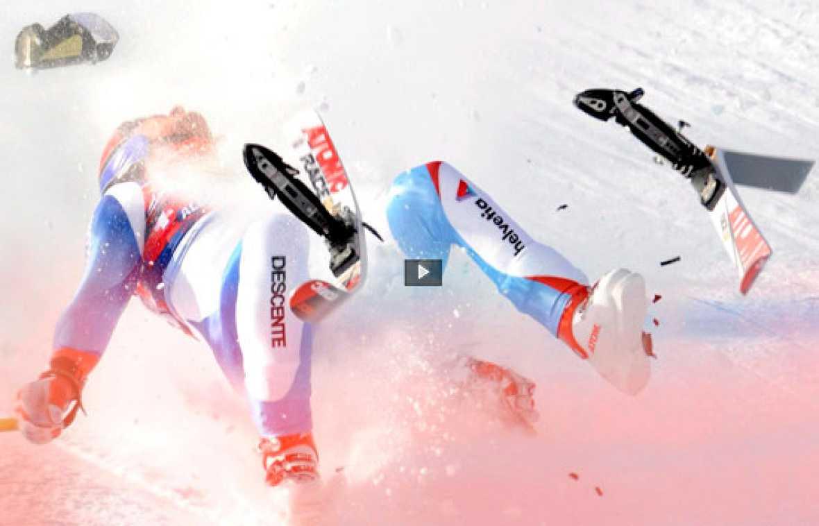 El esquiador suizo Daniel Albrecht se encuentra en coma inducido después de sufrir un espeluznante accidente en un entrenamiento de descenso para una prueba de la Copa del Mundo que se celebra en las estación austríaca de Kitzbühel.