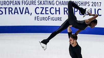 Patinaje Artístico - Campeonato de Europa. Programa Libre Parejas, desde Ostrava - ver ahora