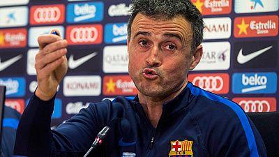 """El entrenador del Barcelona, Luis Enrique Martínez, se ha mostrado cauto con vistas al futuro y ha apostado por quedarse con """"una versión más recatada"""" de la euforia, al afirmar que """"hace tres semanas esto (el entorno) era un velatorio y ahora parece"""