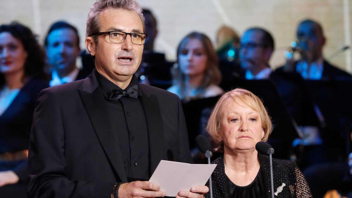 """Yvonne Blake y Mariano Barroso en los Premios Goya 2017: """"El cine español no vive del Estado, genera riqueza para el Estado"""""""