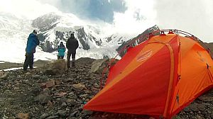 Alta montaña: Un pico en la frontera