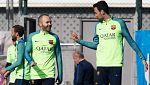 Iniesta y Busquets entrenan con normalidad y podrían estar ante el Atlético