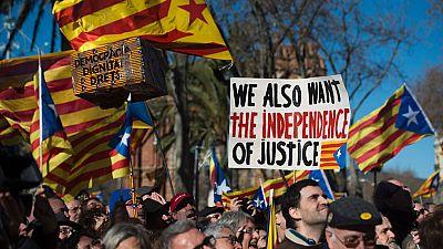 Puigdemont dice que muchos en Cataluña se sienten juzgados en el proceso a Mas