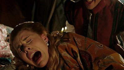 Reinas - Lord Darnley fuerza a María en la cama