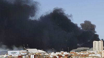 Una explosión en una fábrica de productos químicos en Paterna obliga a desalojar el polígono