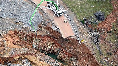 Continúan los trabajos para evitar el desbordamiento de la presa de Oroville, en California