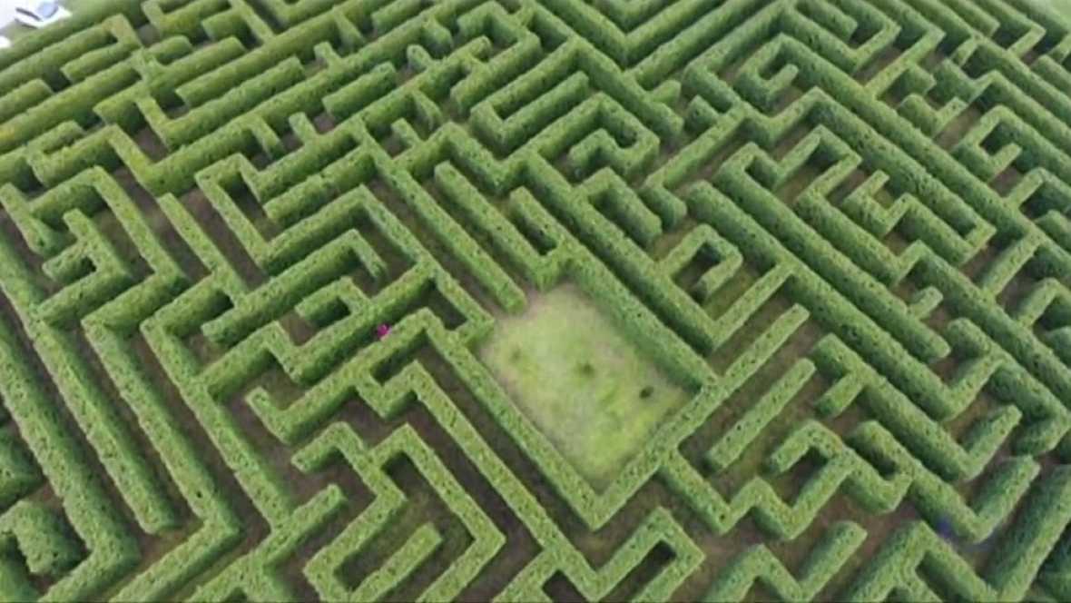 En Villapresente, Cantabria, crean el laberinto más grande de España