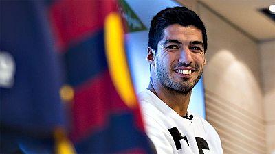 """El delantero uruguayo del FC Barcelona, Luis Suárez, reconoció que  están algo 'tocados' tras la dura derrota del pasado martes ante el  PSG en la ida de los octavos de final de la Liga de Campeones, pero  recordó que tienen """"la capacidad de revertir"""