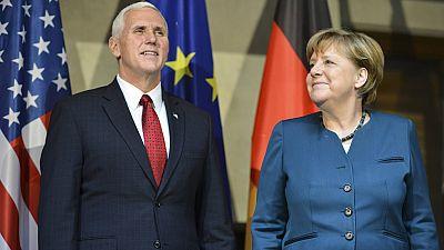 """Mike Pence recalca su compromiso con la OTAN pero insta a sus socios a """"hacer más"""""""