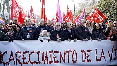 """CCOO y UGT salen a la calle en 40 ciudades por el """"empleo y salarios dignos"""""""