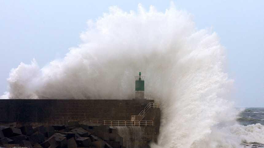 El viento y el oleaje tendrán en riesgo o riesgo  importante al litoral de Andalucía, Ceuta y Melilla
