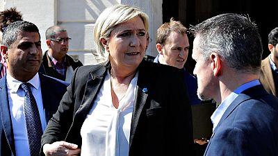 Marine Le Pen se niega a cubrirse con un velo para reunirse con el gran muftí de Líbano