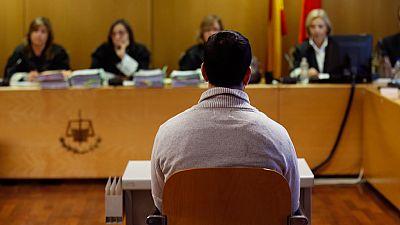 45 años y nueve meses de cárcel para el exprofesor del colegio Vallmont de Madrid que abusó de nueve niños