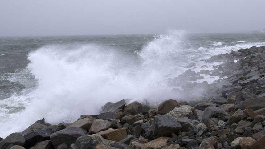 Vientos fuertes en Girona y Menorca y lluvia de barro en el sureste