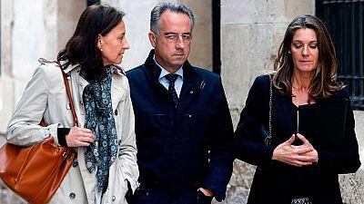 Declaran como testigos ante el juez la hermana y dos hijos de la viuda del expresidente de la CAM