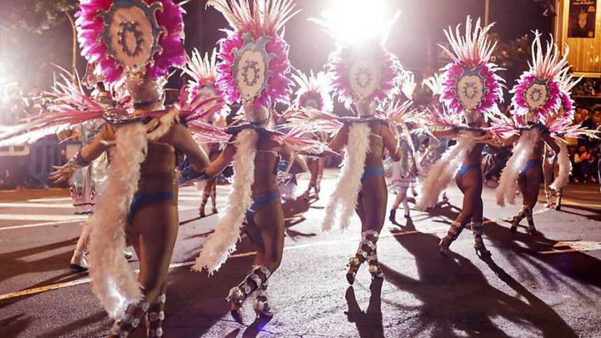 Cabalgata anunciadora del  Carnaval de Santa Cruz de Tenerife