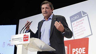 Javier Fernández apuesta por una socialdemocracia reformulada como eje de la ponencia económica del PSOE