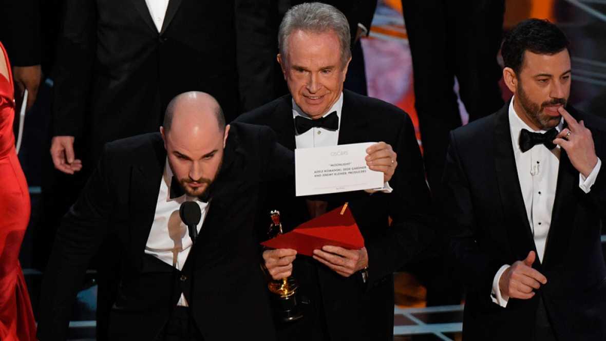 'Moonlight', mejor película en los Oscar tras dar por ganadora a 'La la land' unos minutos en un error histórico
