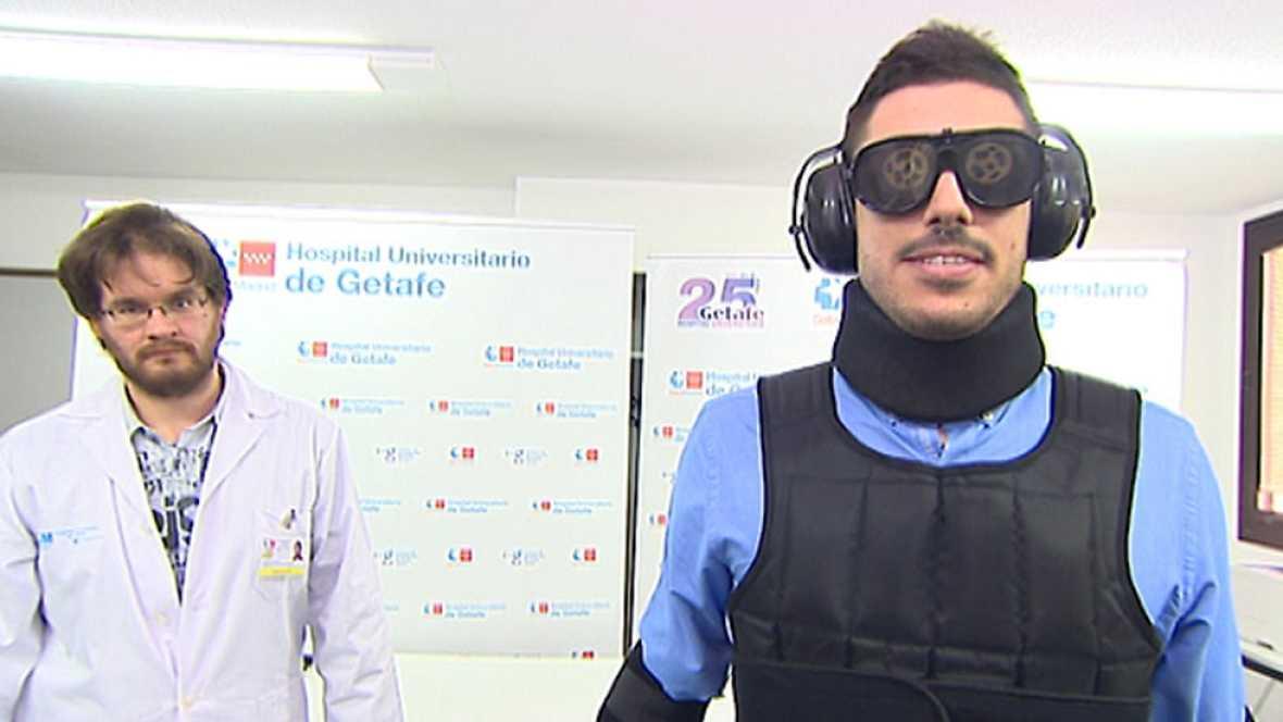 El Hospital de Getafe adquiere dos trajes que simulan los achaques de la vejez