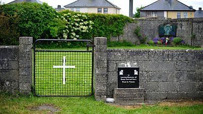 Descubren un gran número de restos de bebés y de niños pequeños en un convento de Irlanda