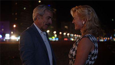Cuéntame cómo pasó - El paseo romántico de Merche y Antonio en Benidorm