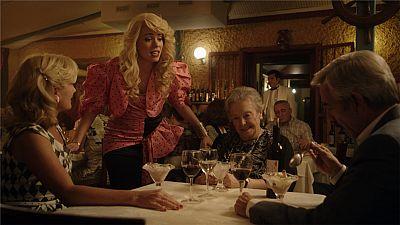 Cuéntame cómo pasó - La cena con espectáculo de Antonio y Miguel