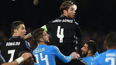 El Real Madrid consiguió su pase a cuartos de final de la Champions al eliminar al Nápoles en San Paolo (1-3) gracias a los goles de Sergio Ramos, que volvió a aparecer para salvar a su equipo cuando peor lo estaba pasando.