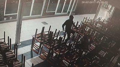 La policía detiene en Benidorm a un hombre por apalear brutalmente a su pareja, menor de edad