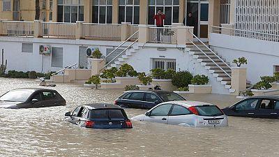 Una tromba de agua inunda Alicante