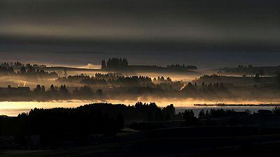 Cielo poco nuboso o despejado