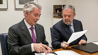 El Gobierno Vasco y el PP han firmado el acuerdo para que el ejecutivo de Iñigo Urkullu pueda aprobar los presupuestos del 2017